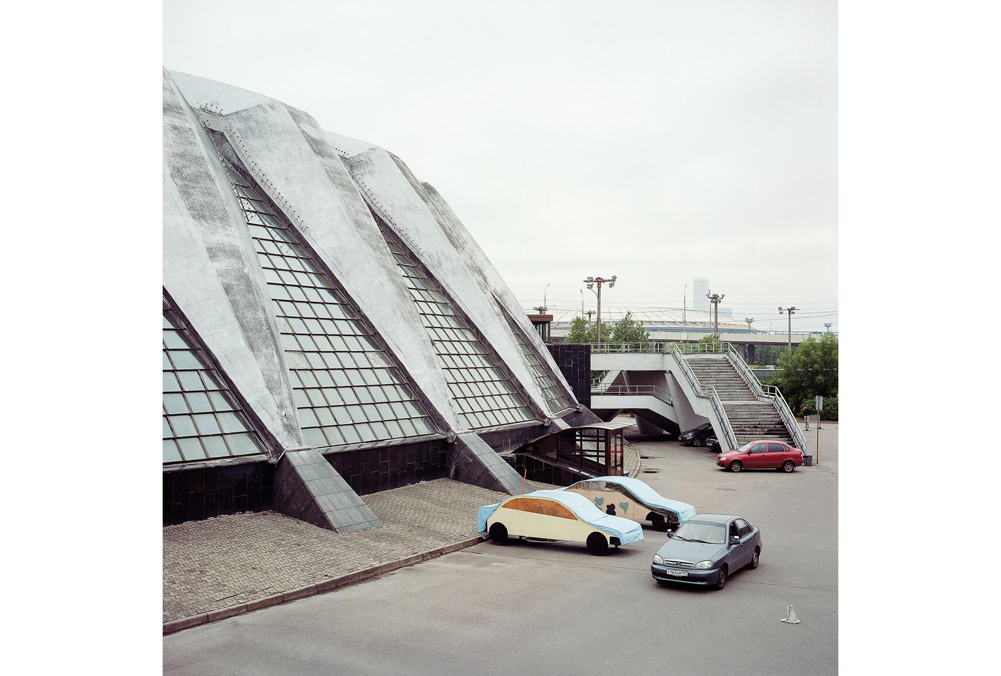 Der Sportkomplex Druzhba (dt. Freundschaft), fertiggestellt 1980, war der Wettkampfort für die Volleyballer. Heutzutage finden hier Tennismeisterschaften und Musikveranstaltungen statt. Fotos © Anastasia Tsayder
