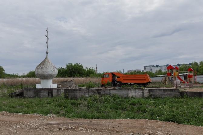 Bau einer Grünanlage nahe der Sonntagsschule / Foto © Jewgenija Shulanowa