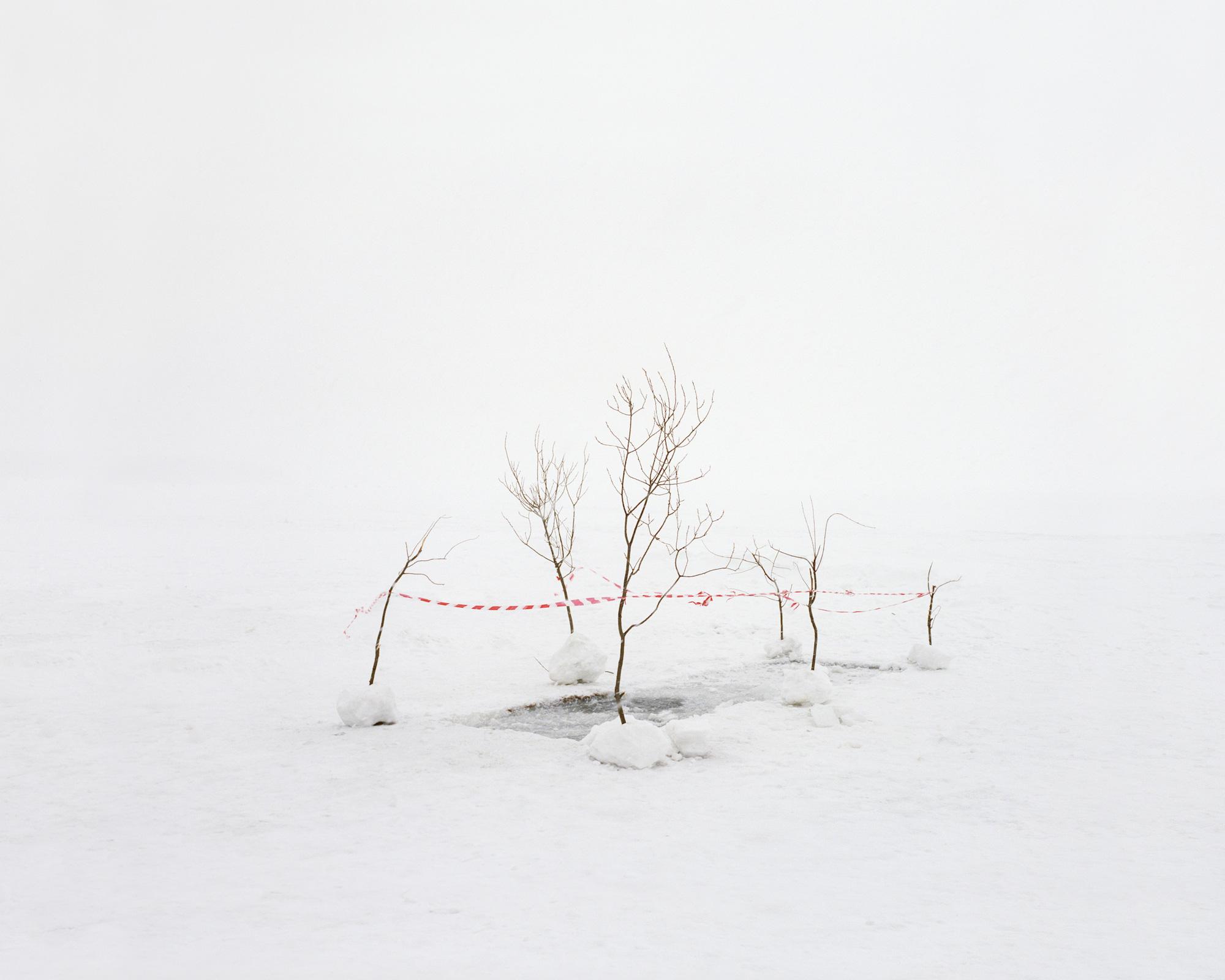 Test auf Wasserkontaminierung in einem See bei Osjorsk (früher Tscheljabinsk-40). Im Jahr 1957 kam es hier zum ersten Kernkraftunfall; er wurde etwa 30 Jahre lang geheimgehalten. Die Stadt ist umgeben von Seen, die bis heute radioaktiv kontaminiert sind