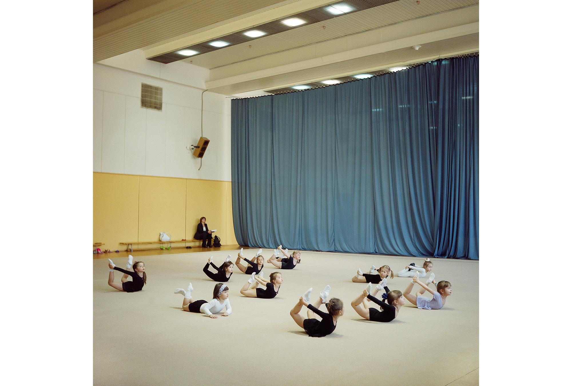 In der kleinen Gymnastikhalle des Olympiakomplexes turnten seinerzeit nicht die Kleinen – sondern die Großen ihrer Disziplin mit Band und Ball.