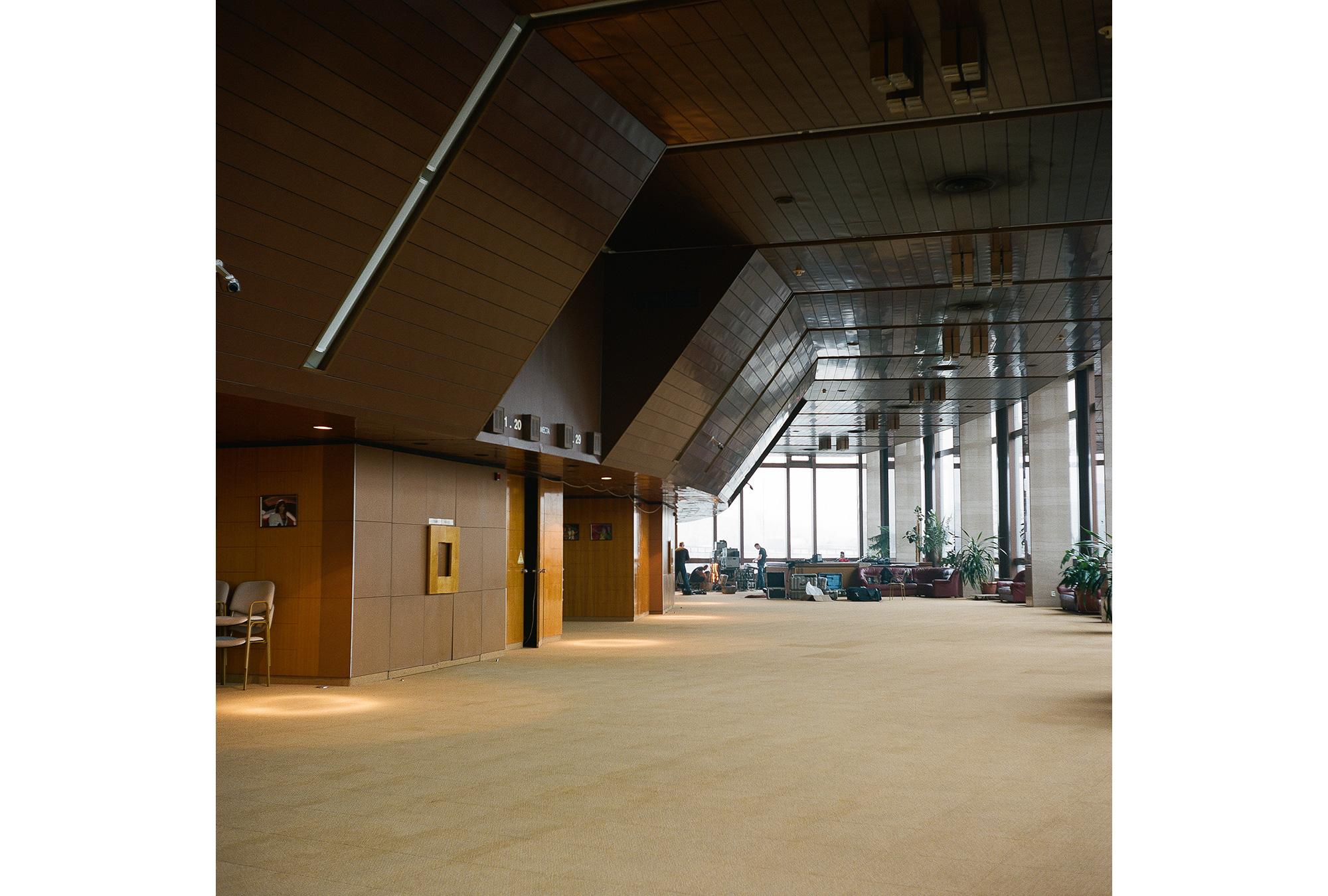 Die Lobby des Hotels Kosmos, das 1979 hauptsächlich für Besucher fertiggestellt wurde,   aber auch eines der Olympischen Pressezentren beherbergte.