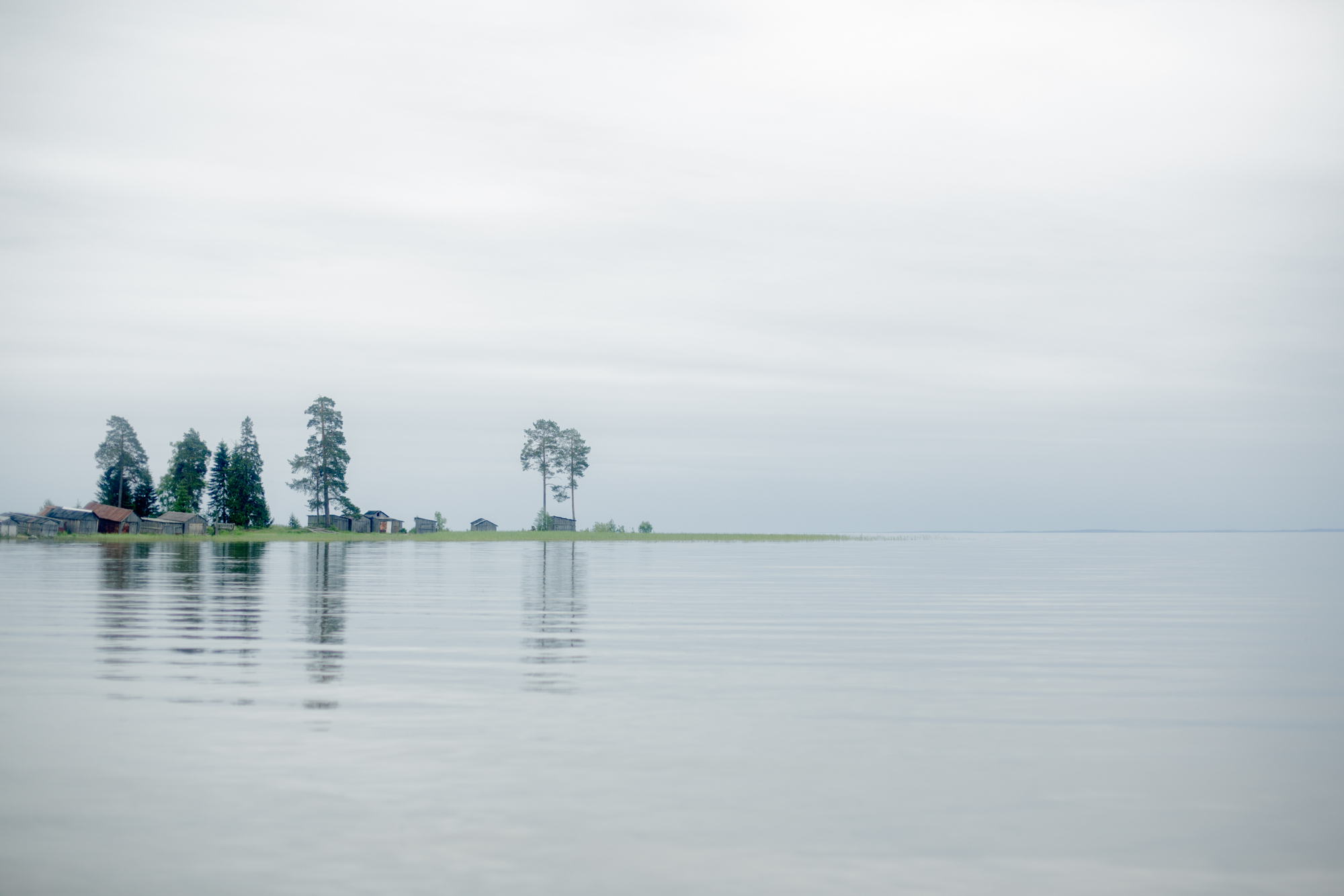 Am Ufer des Onegasees in Sosnowka / Foto © Anna Ivantsova