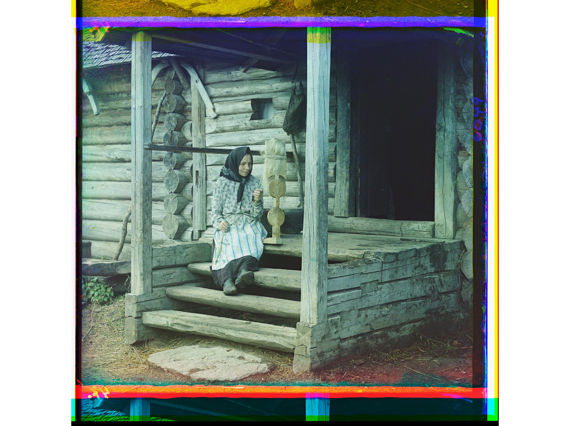 Beim Spinnen von Garn, Dorf Iswedowo, 1910