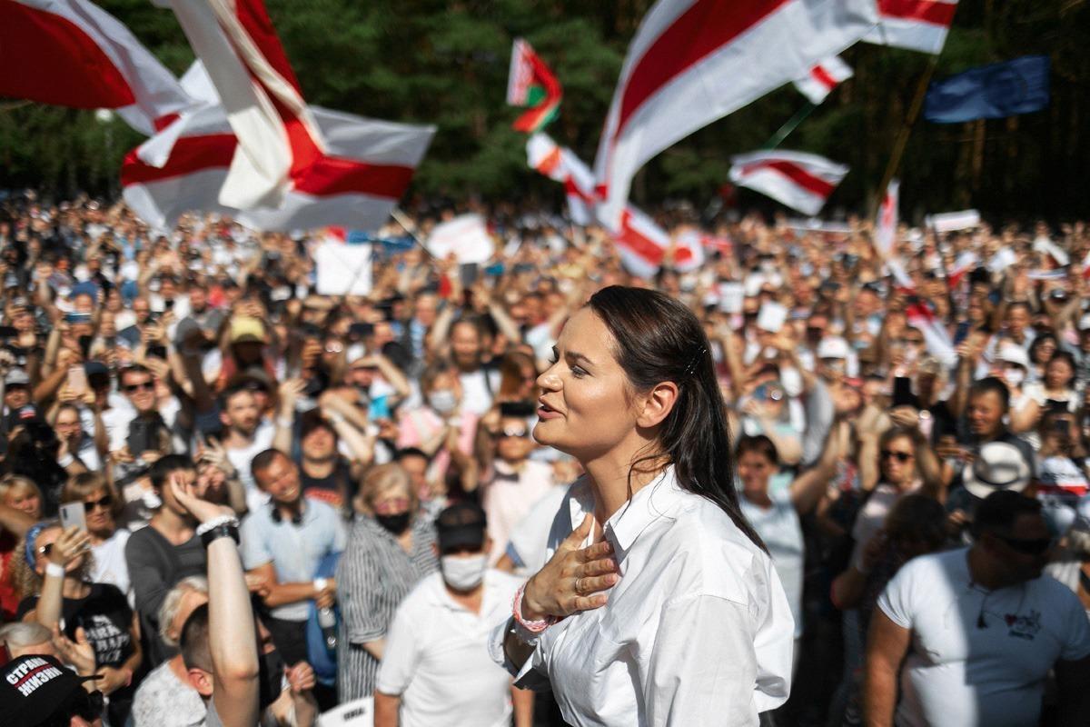 Swetlana Tichanowskaja übernahm die Führungsrolle im Wahlkampf quasi ungewollt / Foto © tut.by