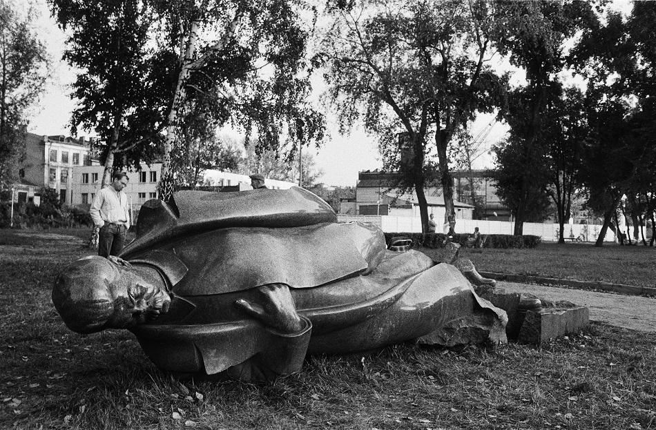 Der Umgang mit Denkmälern nach ihrem Sturz gibt Auskunft über den Umgang mit der Vergangenheit, an die sie erinnern / Foto © Igor Mukhin