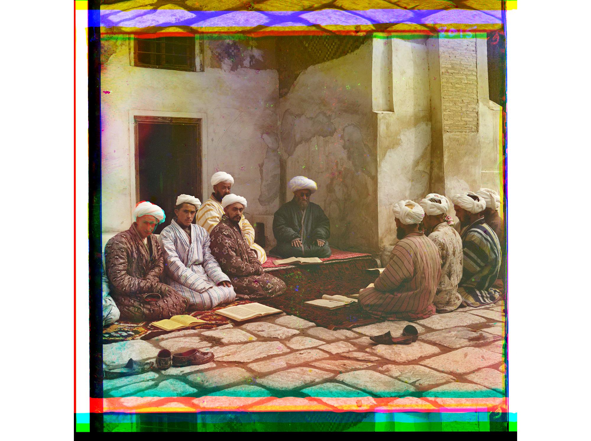 Studenten in einer Medresse (Islamschule), Samarkand, zwischen 1905 und 1915