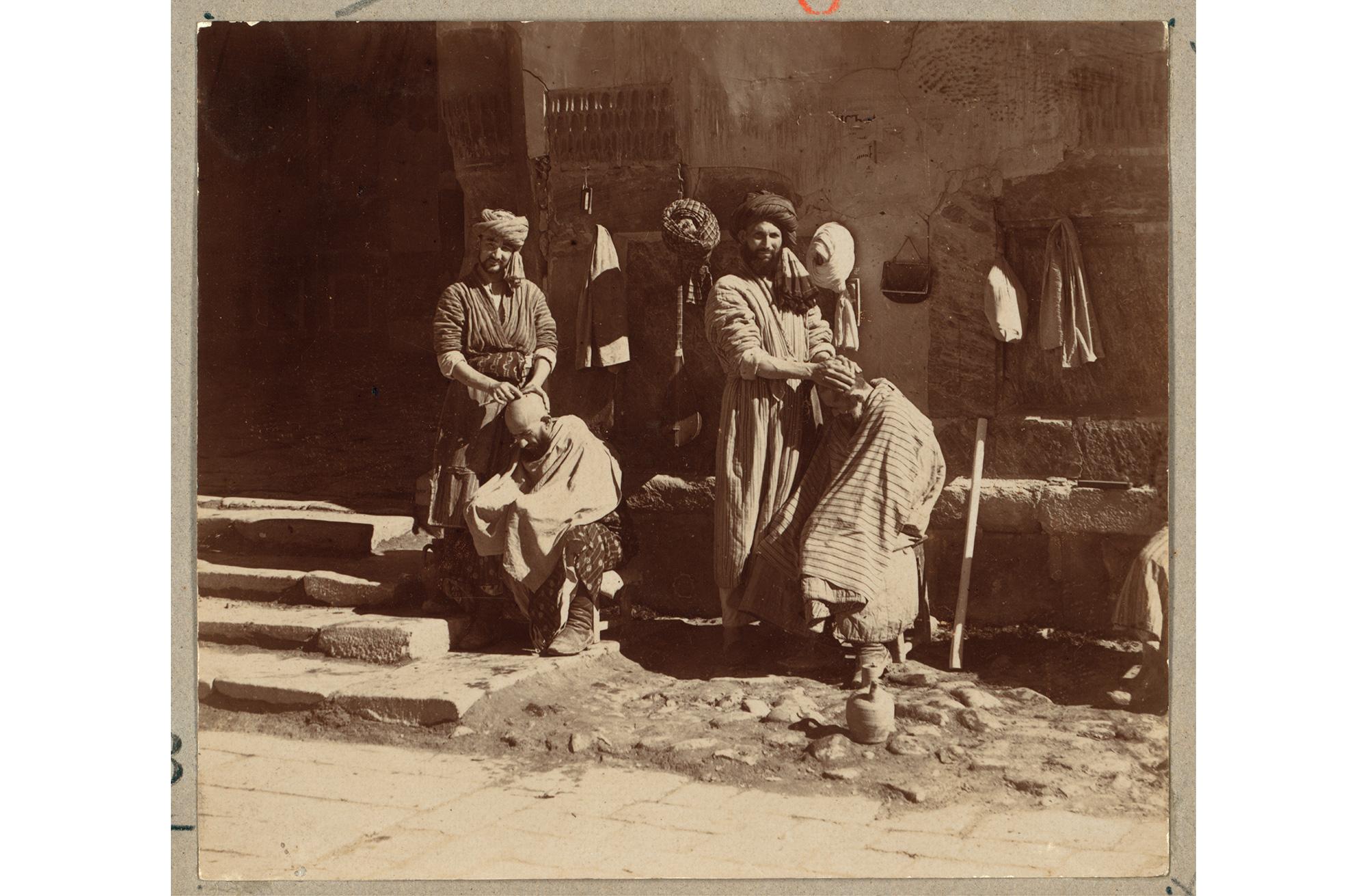 Friseure auf dem Registan in Samarkand, zwischen 1905 und 1915