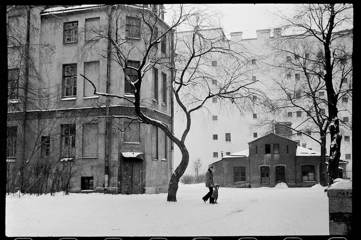 Twеrskaja Uliza, Leningrad, 1978 ©Mascha Iwaschinzowa