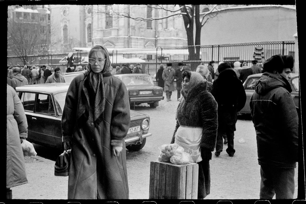April, Leningrad, 1991 ©Mascha Iwaschinzowa