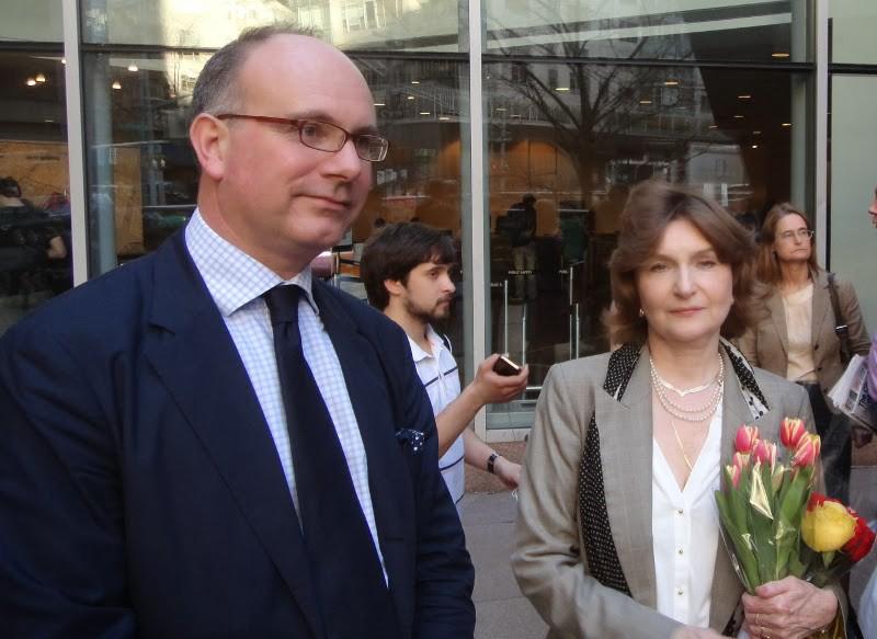 John Laughland und Natalja Narotschnizkaja