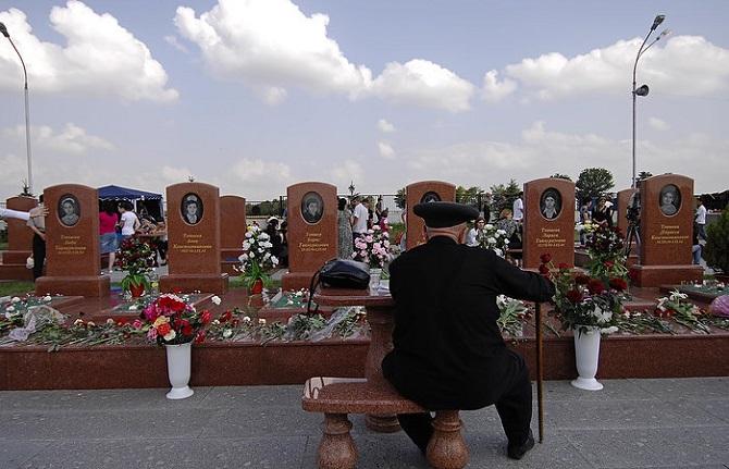 Die Geiselnahme von Beslan forderte 331 Tote, darunter 186 Kinder / Foto © Michail Mordassov