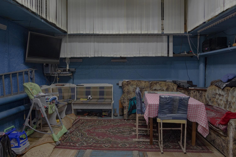 Garage in der Standardgröße 5 x 6 Meter, mit Aufenthaltsbereich / Foto© Oksana Ozgur