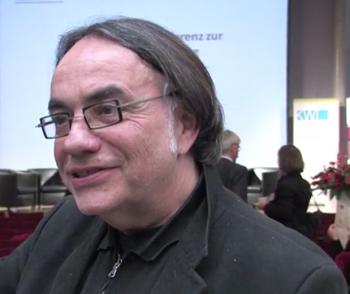 Социолог Натан Шнайдер © vimeo