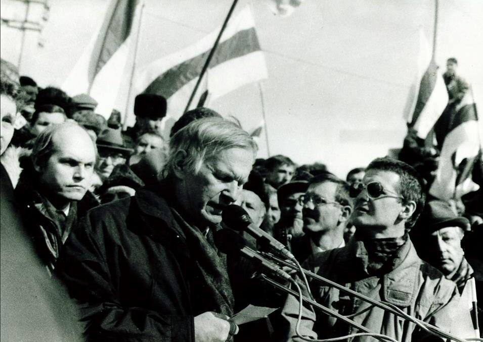 Wassil Bykau bei einer Demonstration in Minsk, 24. März 1996 / Foto © Georgy Likhtarovich