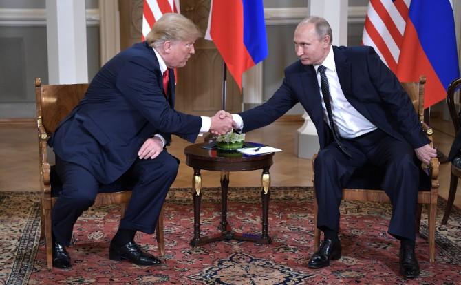 """""""Für die Amerikaner spielt die Außenpolitik im Prinzip eine zweitrangige Rolle."""" – Putin und Trump beim G20-Gipfel in Hamburg © kremlin.ru"""