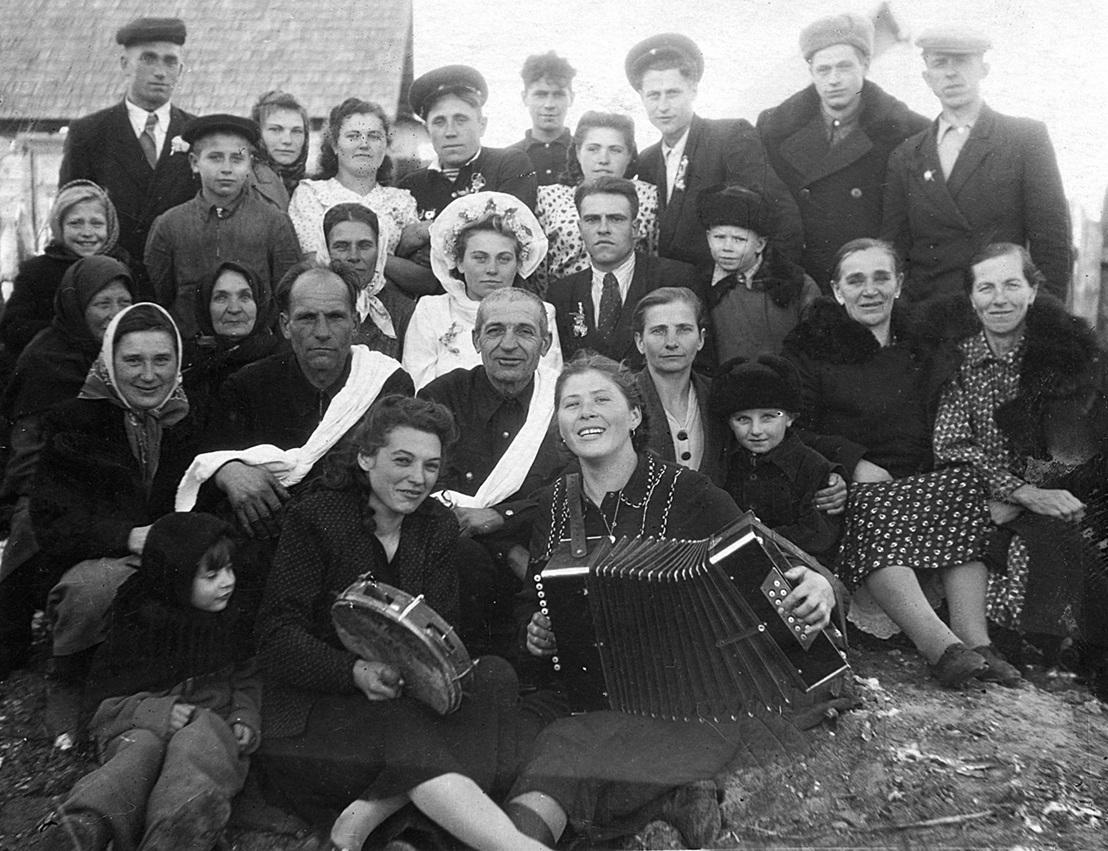 1950–1960, Hradzianka, Asipovichy Rajon, Mogiljow Oblast. Aus dem Archiv der Familie Byčkoŭ