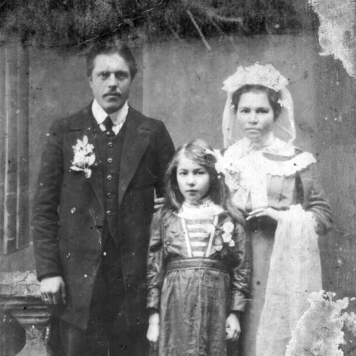 1900–1915, Minsk. Fotostudio von Hirscha Hatouskau. Aus dem Archiv von Ivan Maraŭjeŭ