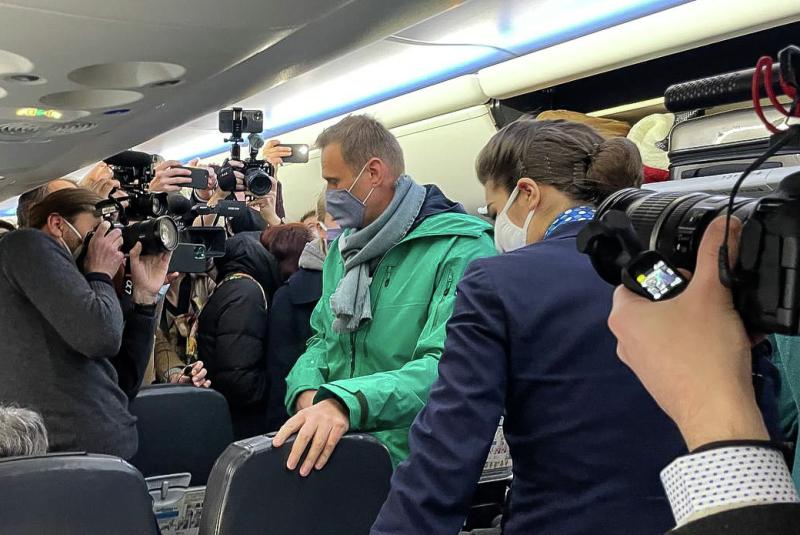 Zahlreiche Journalisten begleiten Nawalny auf seiner Reise von Berlin nach Moskau / Foto © Insaf Basirov/sputnikimages