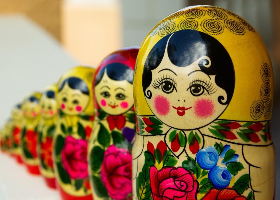 Die farbenfrohen Matrjoschkas waren Symbol für die vermeintlich intakten Traditionen des russischen Volkes / Foto © jackmac34/pixabay
