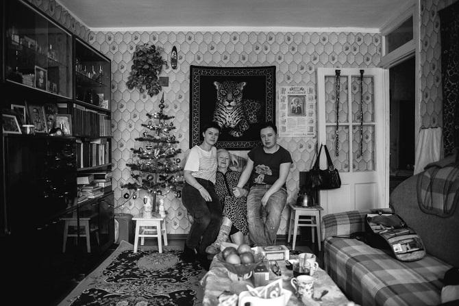 """""""Als meine Oma meinen neuen Pass sah, fing sie plötzlich an, mich als Mann anzusprechen."""" / Foto © Stanislaw Dolshnizki"""