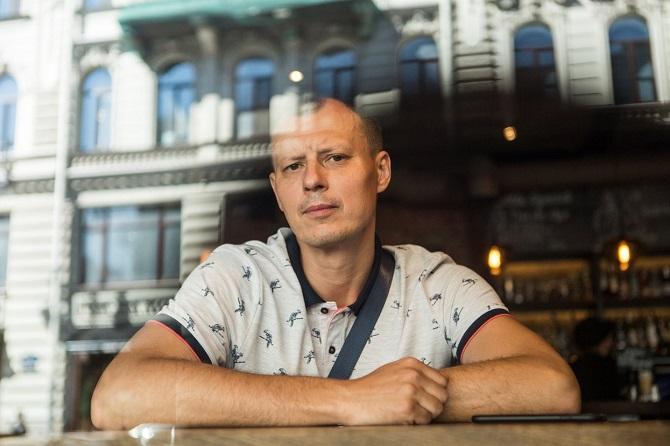 """Der """"heimliche König von Sankt Petersburg"""" Alexander Konowalow im Juni 2019 / Foto © Alexej Loschtschilow/Meduza"""