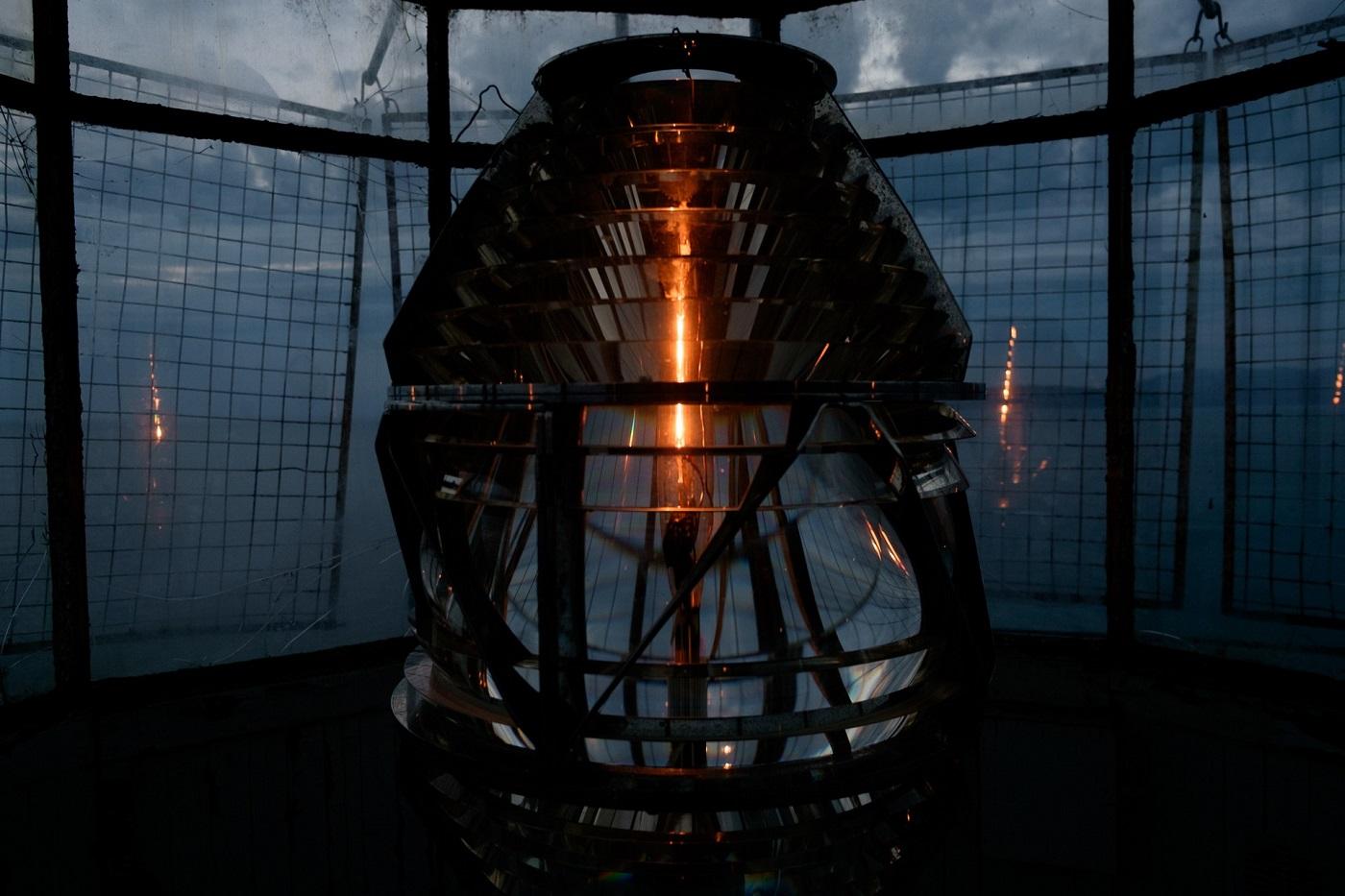 Das Leuchtfeuer von Tschirikow blinkt - 6,5 Sekunden Dunkelheit, 1,5 Sekunden Licht