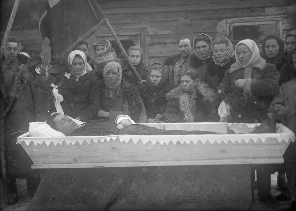 1950–1952, Puhačy, Rajon Valožyn, Oblast Minsk. Aus dem Archiv von Dzmitry Siarebranikaŭ