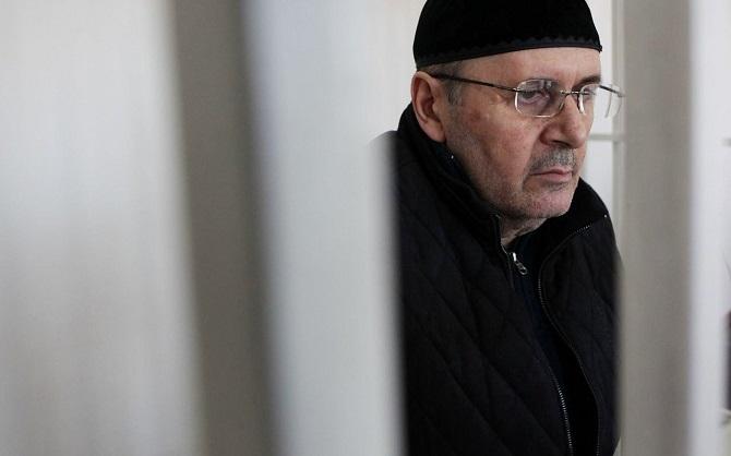 Ojub Titijew wirkt vor Gericht fast scheu / Foto © Dmitry Markov für Meduza