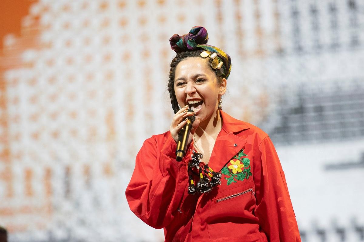 """""""Ich fühle mich bis heute nicht als erfolgreiche Künstlerin"""" – Sängerin Manizha tritt für Russland beim ESC an / Foto © EBU/Andres Putting"""