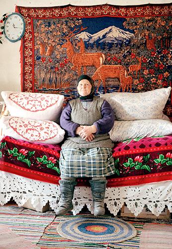 Im Dorf Chludnewo, Maria Iwanowna (aus der Serie Beshin Lug, 2004)
