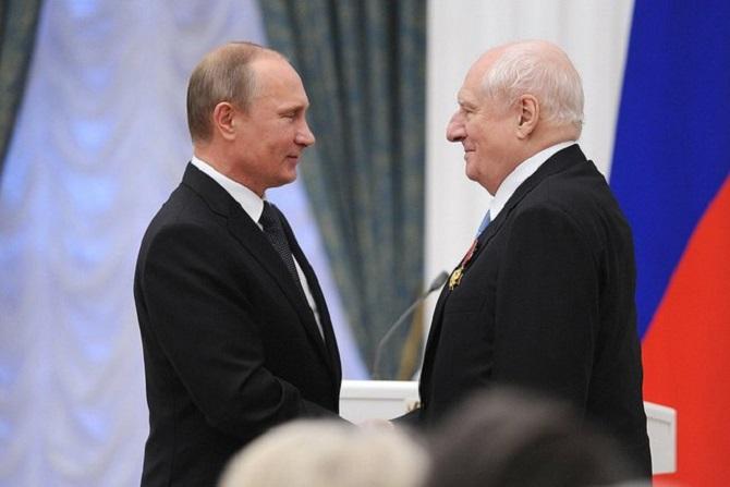 """Im Jahr 2013 wurde Mark Sacharow mit dem """"Verdienstorden für das Vaterland"""" ausgezeichnet / Foto © kremlin.ru"""