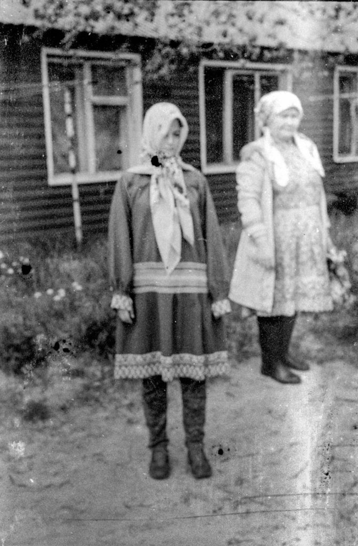 Frauen in traditioneller Kleidung der Chanten, Russkinskaja, Jugra / Foto © Igor Tereschkow