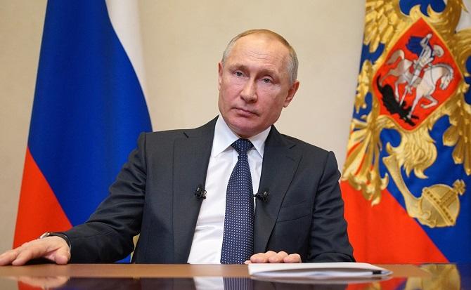 Beobachter kritisieren, er wirke wenig überzeugend – Putin bei seiner ersten Fernsehansprache zur Epidemie am 25. März 2020 / Foto © kremlin.ru