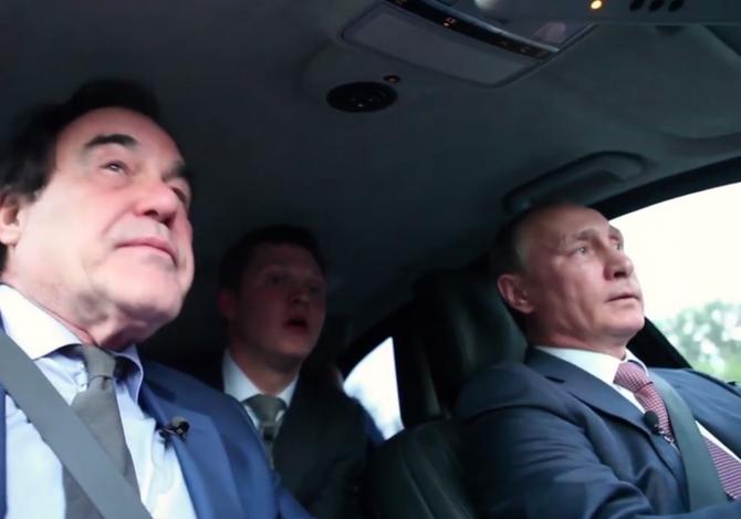 """""""Der Feind meines Feindes ist mein Freund"""" – Oliver Stone und Wladimir Putin / Foto © Screenshot aus dem Film """"The Putin Interviews"""""""