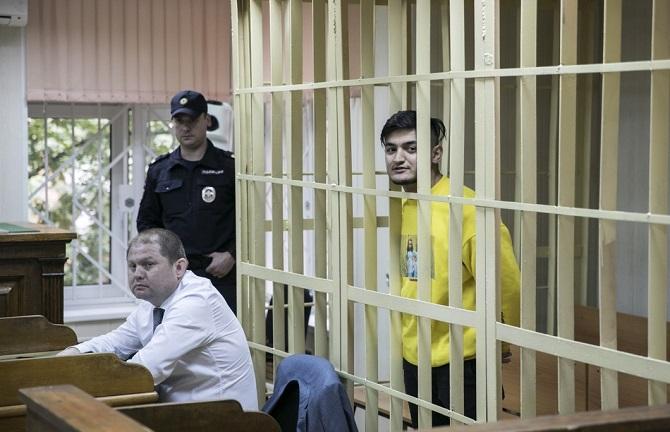 Samariddin Radshabow hatte vor Gericht stets ein Lächeln im Gesicht / Foto © Wlad Dokschin/Novaya Gazeta