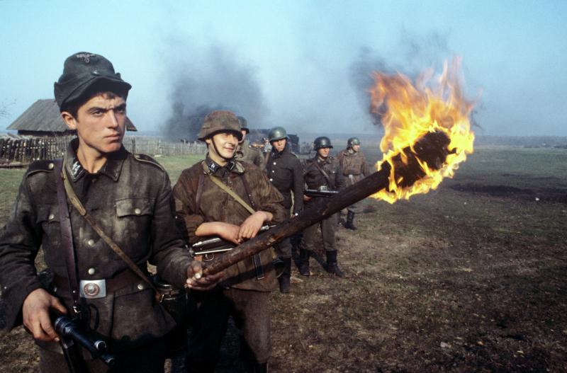 """Im Film """"Idi i smotri"""" (""""Komm und sieh!"""") inszeniert Elem Klimow den Krieg als apokalyptisches und surreales Mysterium. Szene aus dem Film / © Evgeyi Koktyish/Sputnik"""