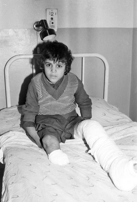 Ein afghanisches Mädchen muss wegen einer Minen-Explosion behandelt werden, 14.05.1987 / Foto © R. Budrin/Sputnik