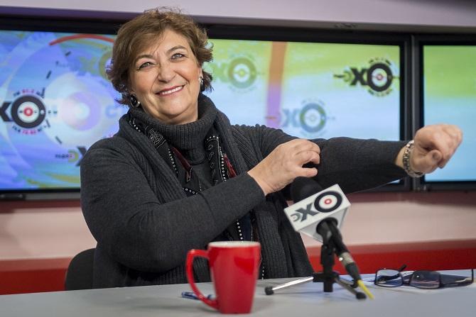 """Yevgenia Albats – die Grande Dame des russischen Journalismus –  im Interview bei """"Echo Moskwy"""" / Foto © Anatoli Strunin/ITAR-TASS"""