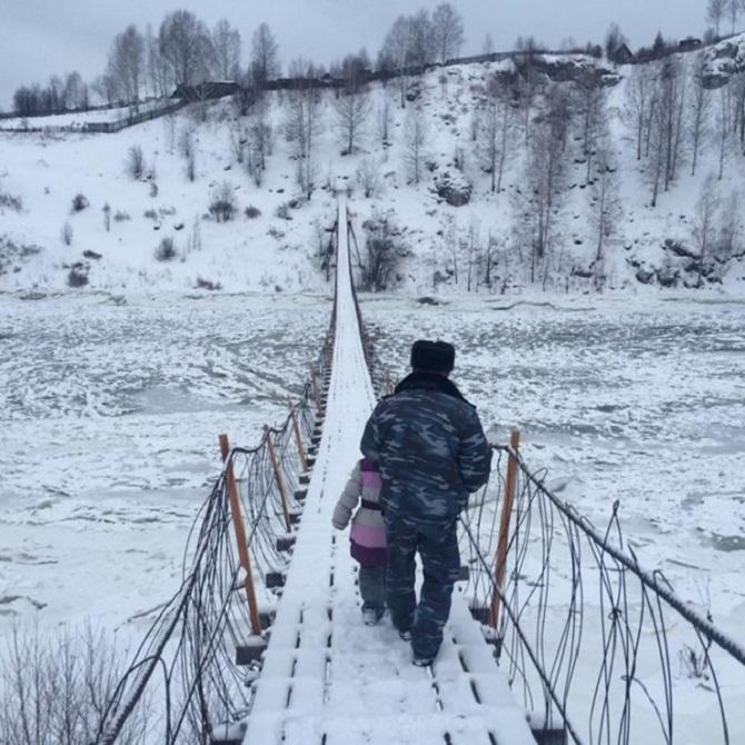 Im Winter schafft man es nirgendwohin, wenn kein Pfad freigehauen ist